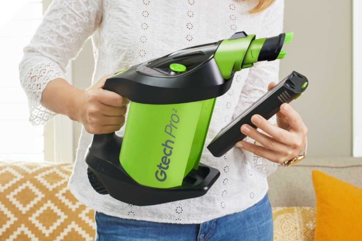 bagged cordless vacuum with replaceable battery